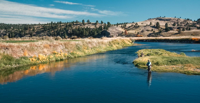 jim_mcLennan_fly_fishing_anchored_outdoors
